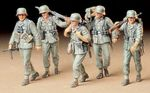 GERMAN MACHINE GUN CREW at maneuver  1/35